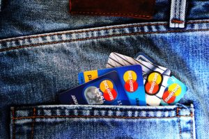 How To Use A Credit Card (And What to Look Out For)